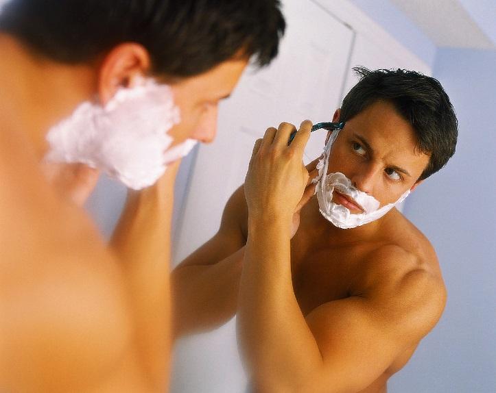 Для роста бороды на щеках нужно правильно бриться